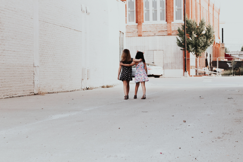 Friends andrea-tummons-448834-unsplash